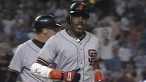 SF@LAD: Bonds hits 46th, final homer of 1993 season