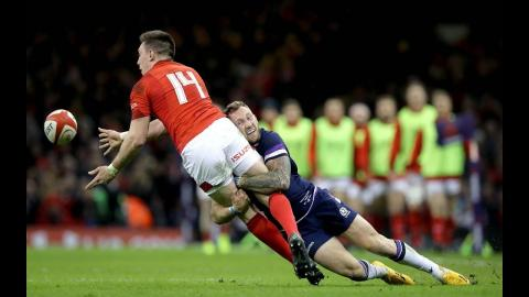 Great hands from Wales as they break down the wing! | NatWest 6 Nations