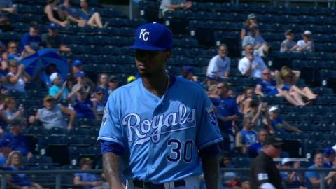 CWS@KC: Ventura gets out of a bases-loaded jam