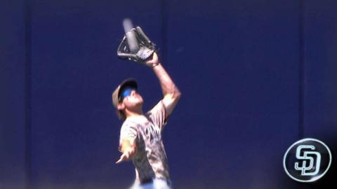 LAD@SD: Myers races back for a nice grab to end frame