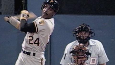 1992 NLCS Gm6: Bonds homers off Glavine in the 2nd