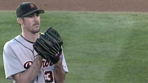 2006 ALCS Gm2: Verlander strikes out six in Game 2