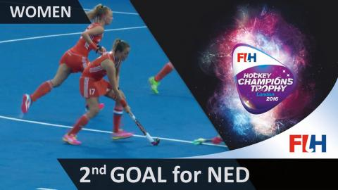 AUS 0-2 NED Early in the 2nd half, Paumen scores her sixth of the tournament with a straight strike