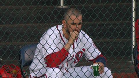 PHI@WSH: Perez grabs a snack in the bullpen