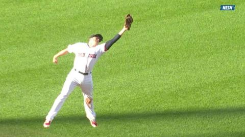 PHI@BOS: Rutledge makes a jumping catch to rob Blanco