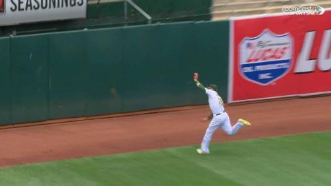 COL@OAK: Zobrist runs one down in deep left field