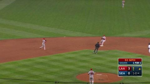 LAA@SEA: Simmons, Cowart combine for a double play