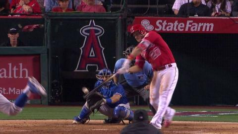 LAD@LAA: Trout clears the bases with a double