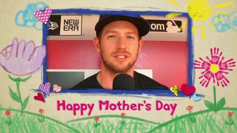 MIL@CIN: Brewers players wish a happy Mother's Day