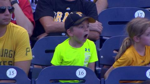 PIT@WSH: Young Bucs fan shows his range of emotions