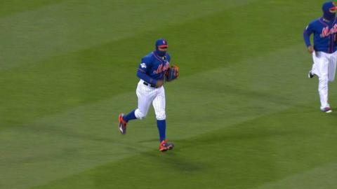 NLCS Gm2: Clippard induces flyout to work out of 8th