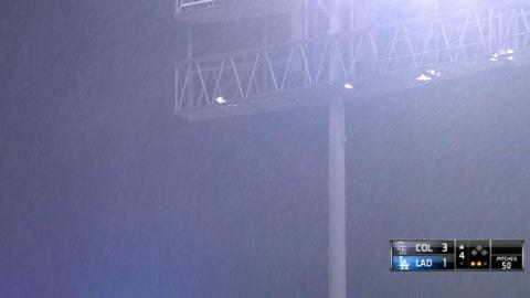 COL@LAD: Rare rain comes down at Dodger Stadium