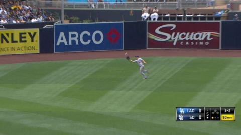 LAD@SD: Pederson makes another nice running grab