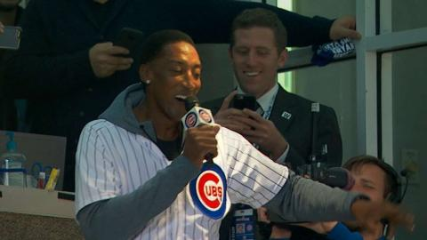 NLCS Gm6: Pippen sings to Wrigley during stretch