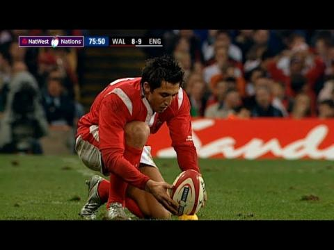 Henson kicks huge penalty to beat England in 2005 | NatWest 6 Nations
