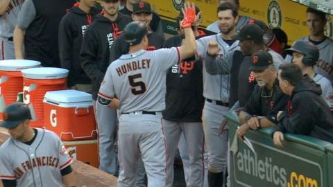 SF@OAK: Hundley powers Giants' five-run 1st inning