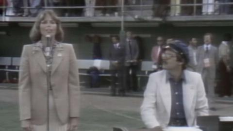 1978 ASG: Captain & Tennille perform national anthem