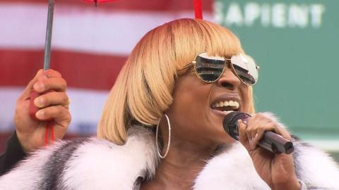 TOR@BOS: Mary J. Blige sings national anthem