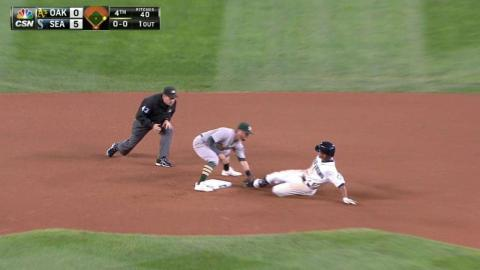 OAK@SEA: Reddick throws out Marte going for two