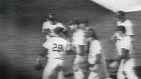 1965 WS Gm4: Drysdale gets his 11th K for final out