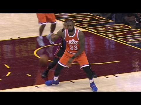 LeBron James No Look To Richard Jefferson For 2 Hand Reverse Dunk    12.09.16