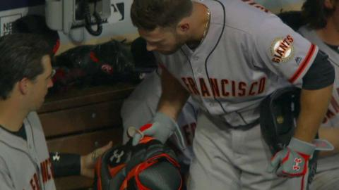 SF@SD: Posey, Williamson share a laugh in the dugout