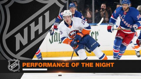 Barzal records five points in Isles' win