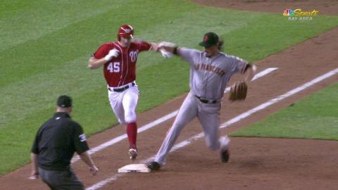 SF@WSH: Jones makes a diving stop at first base