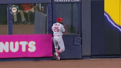 STL@NYY: Fowler makes great running catch in center