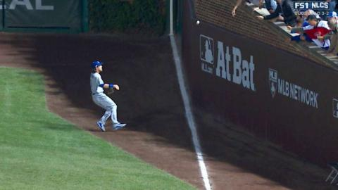 NLCS Gm6: Fowler lifts a leadoff double to right
