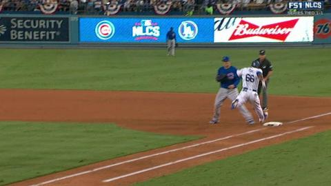 NLCS Gm3: Puig legs out single off pitcher's glove