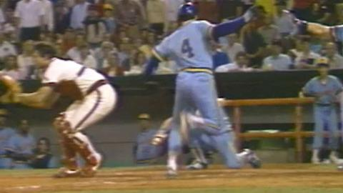1982 ALCS Gm2: Molitor hits inside-the-park home run