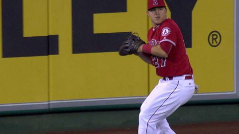 SEA@LAA: Trout fires a great throw to nab Lind