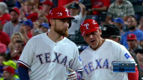 SEA@TEX: Lucroy singles to left, drives in Beltran