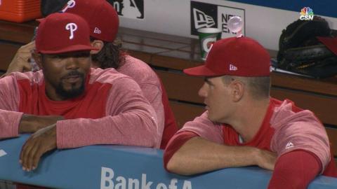 PHI@LAD: Phillies pull bubble gum prank on Joseph