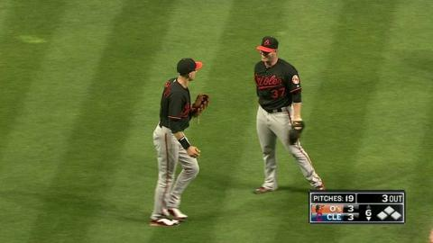 BAL@CLE: Bundy grabs Chisenhall's popup in the 6th
