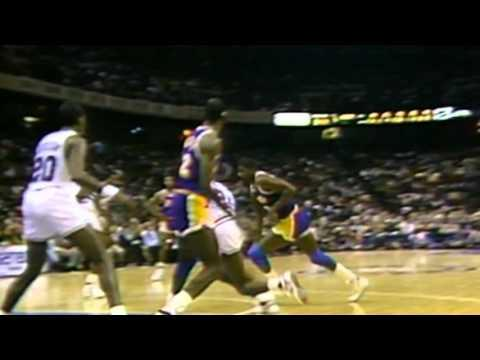 #TBT: Magic Johnson Goes for 32 Points, 20 Assists, 11 Rebounds