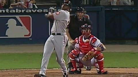 2002 NLDS Gm2: Bonds' first postseason homer of 2002