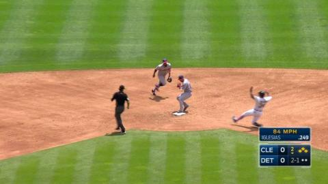 CLE@DET: Tomlin retires Iglesias, leaves bases loaded