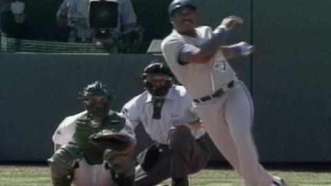 1992 ALCS Gm5: Winfield hits a solo homer in the 4th