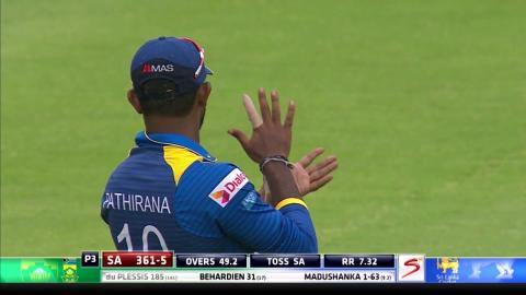 South Africa vs Sri Lanka - 4th ODI - Faf du Plessis Wicket