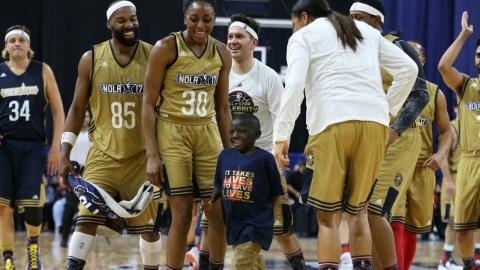 Jarrius Robertson Steals the Show at the Celebrity Game! | 02.17.17