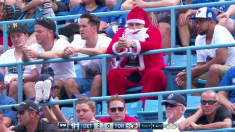 DET@TOR: Santa takes in a summer game in Toronto