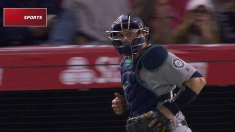 SEA@LAA: Zunino catches Maldonado trying to steal