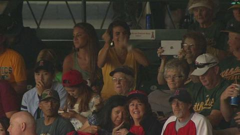 OAK@LAA: Overton has family in attendance for debut