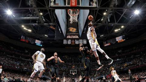 Best 20 Dunks From Week 14 of the NBA Season (LeBron, Durant, Donovan Mitchell and More!)
