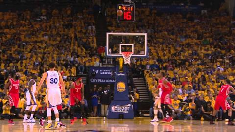 Steph Curry Finds Bogut for Alley-Oop Hammer