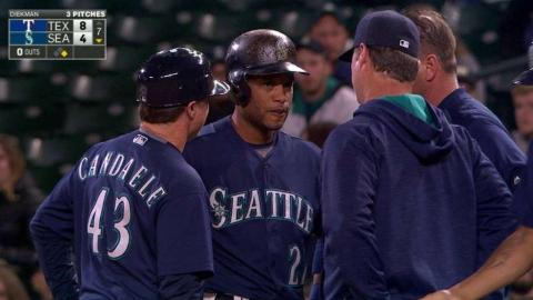 TEX@SEA: Cano pulled from game following single