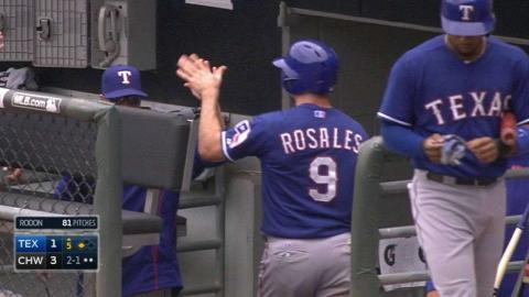 TEX@CWS: Odor pushes across run with a groundout