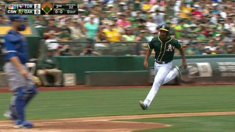 TOR@OAK: Burns singles to put A's on the board